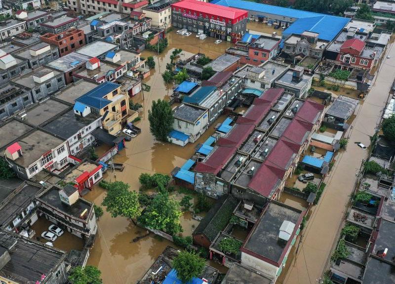 河南千餘鄉鎮被淹 村民困屋頂多日斷水斷糧