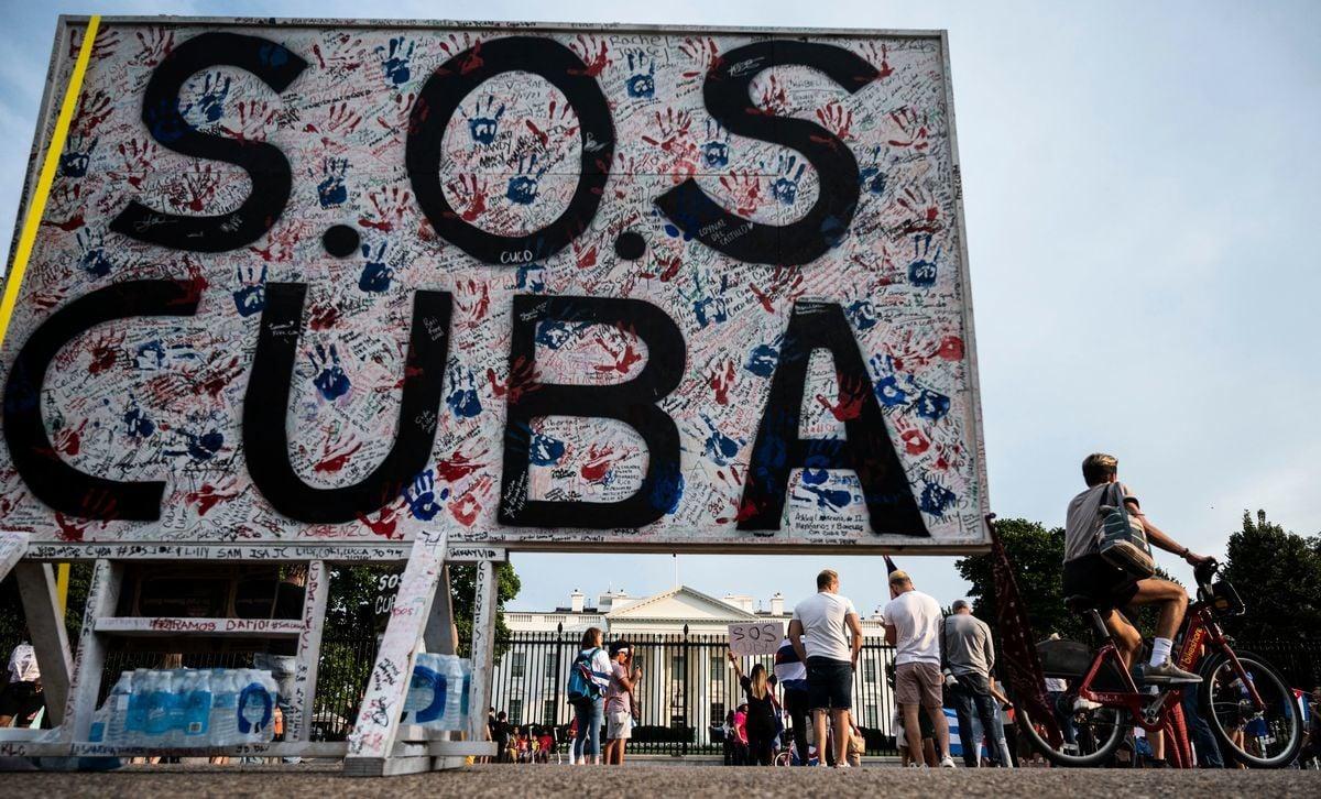 據邁阿密先驅報於2016報道資料顯示,半數以上的古巴人每月收入不足100美元(ANDREW CABALLERO-REYNOLDS/AFP via Getty Images)