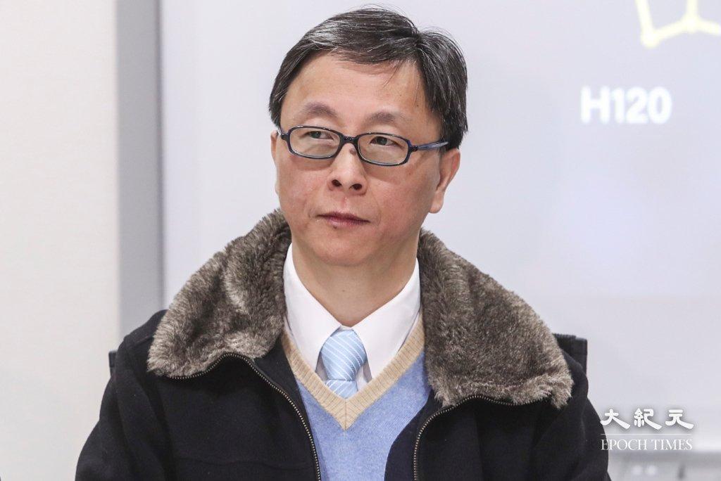 何栢良指出,南京小型爆發的患者有不少都已接種疫苗,並提醒市民即使已經接種疫苗亦要保持警惕。資料圖片。(余鋼/大紀元)