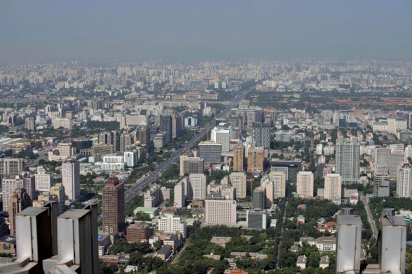 大陸房價暴漲,業界警告大陸房產市場要小心泡沫風險。圖為北京一景。(Ed Jones/AFP/Getty Images)
