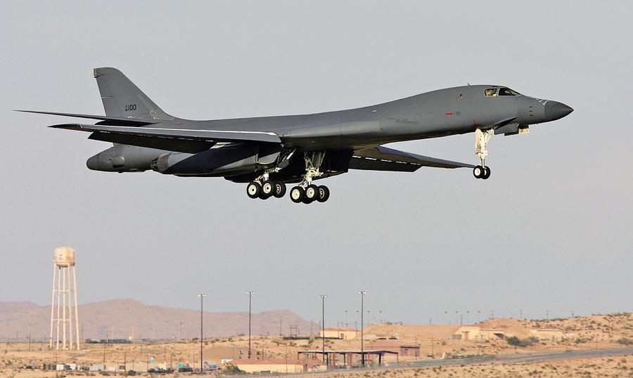 威懾北韓 美B-1轟炸機停駐南韓