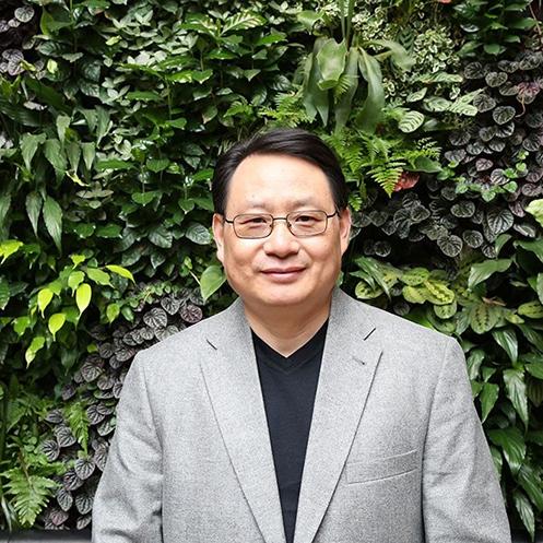美國楊氏整合醫學中心創始人及醫學主任、中西醫師楊景端。(楊景端Facebook專頁)