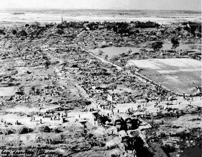 「七五八」豫南垮壩,被洪水淹沒的村莊。(網絡圖片)