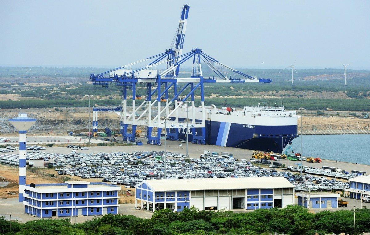中共「一帶一路」項目讓斯里蘭卡、泰國、馬來西亞等國陷入高外債困境。圖爲斯里蘭卡漢班托塔港。(LAKRUWAN WANNIARACHCHI/AFP/Getty Images)