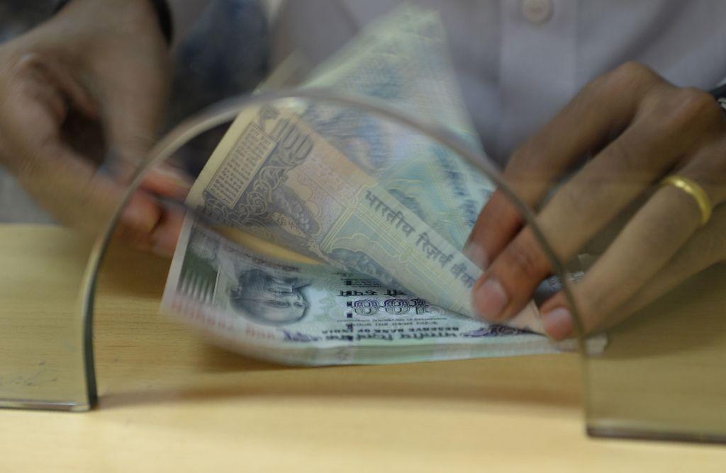 印度昨(7月30日)公佈外匯儲備按周減少0.26%至6,111億美元。(INDRANIL MUKHERJEE/AFP via Getty Images)