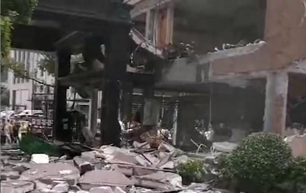 嘉興一麵館燃氣爆炸 房屋被炸穿