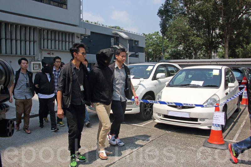 警方拘捕6名涉嫌威嚇候任立法會議員朱凱廸的疑犯,當中部份人有黑社會背景。(蔡雯文/大紀元)