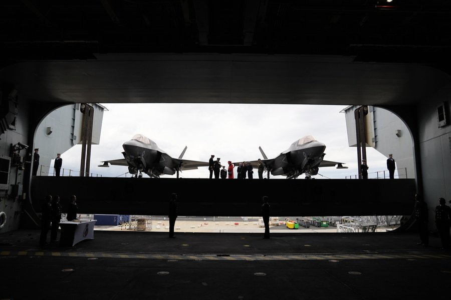 【軍事熱點】英航母編隊進入南海 距山東號航母僅有580海里