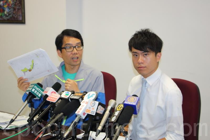 元朗區議員兼候任立法會議員鄺俊宇(右)昨日重申,政府與他會面時,只是說橫洲會興建4千個單位發展,從沒有提及1.7萬個單位及分期進行。(蔡雯文/大紀元)