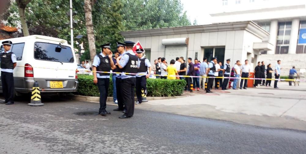 21016年9月23日,河北廊坊廣陽區法院非法庭審法輪功學員於會俠。