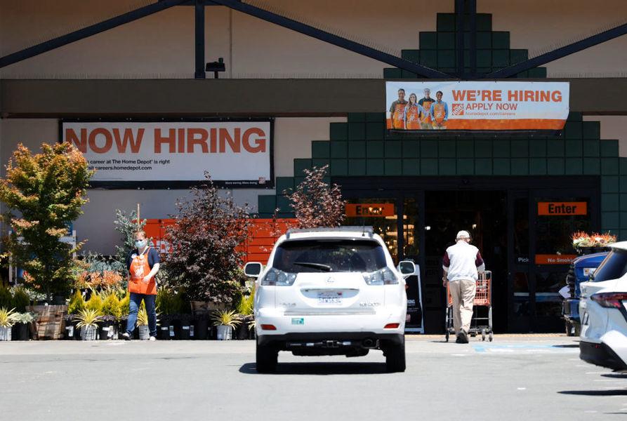 美續領失業救濟人數降至低於300萬 乃自去年4月以來首見