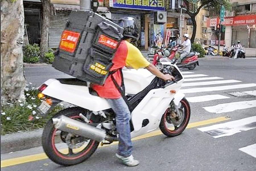 【圖片新聞】陸人熱衷網絡訂餐  公仔麵失寵