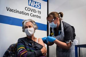 英國警告接種兩劑疫苗可能未助防止傳播Delta變種病毒