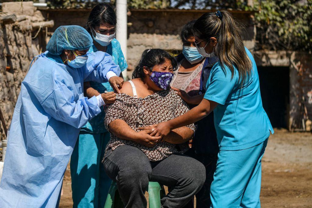 Lambda於2020年8月在秘魯首次被發現,並傳播迅速,截至2021年春季秘魯約81%Covid-19患者感染的原因。(DIEGO RAMOS/AFP via Getty Images)