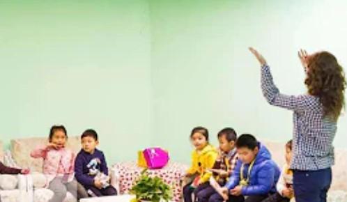 中國禁止外國教員為中小學生校外上課 民衆不解