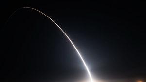 美成功試射洲際彈道導彈 福特號航母將實戰部署