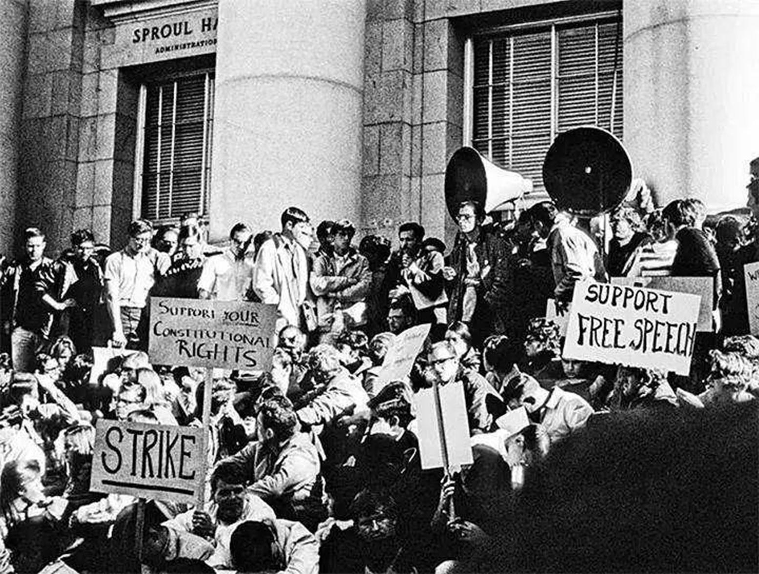 1964年學生運動開始的一個標誌性事件就是加州大學柏克萊校區的「爭取言論自由運動」的學生抗議活動。(網絡圖片)