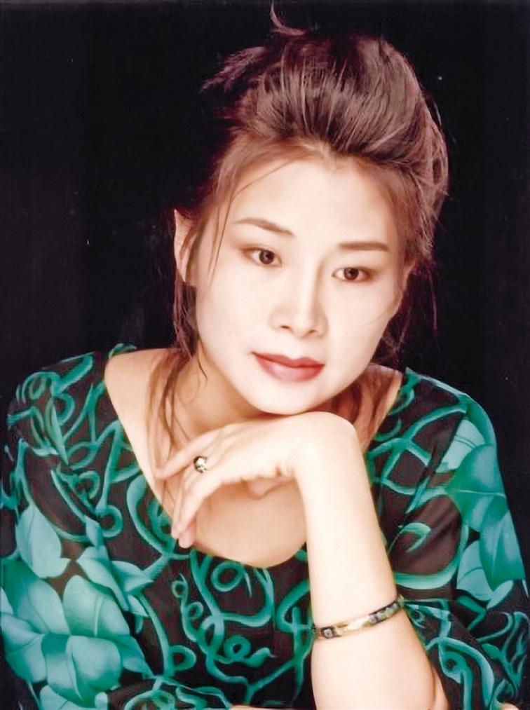 紀念中國女畫家 艾欣