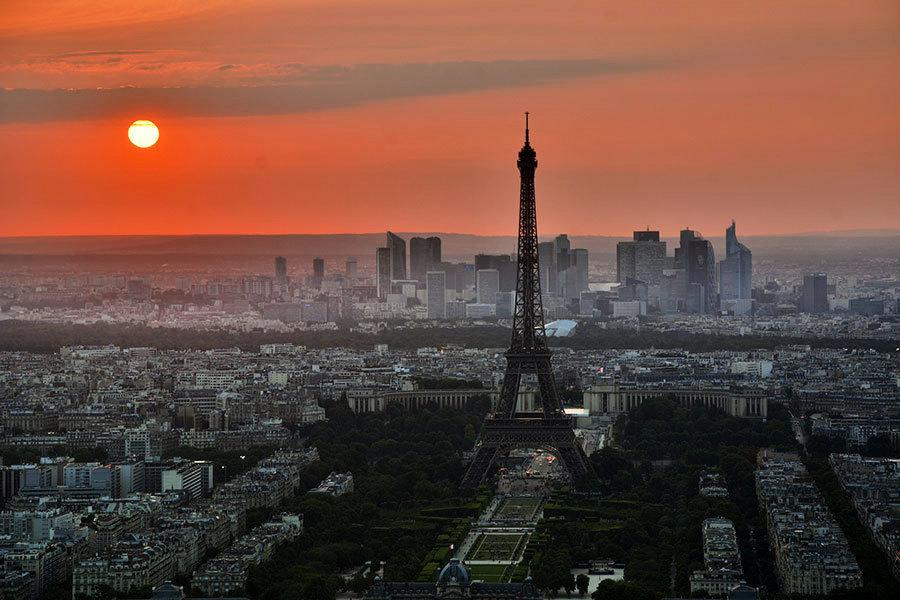 中國40人旅行團巴黎被搶劫 被噴催淚氣體
