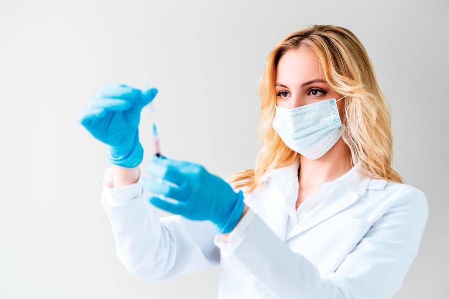 英政府預測病毒四大走向 現有疫苗 恐失效?