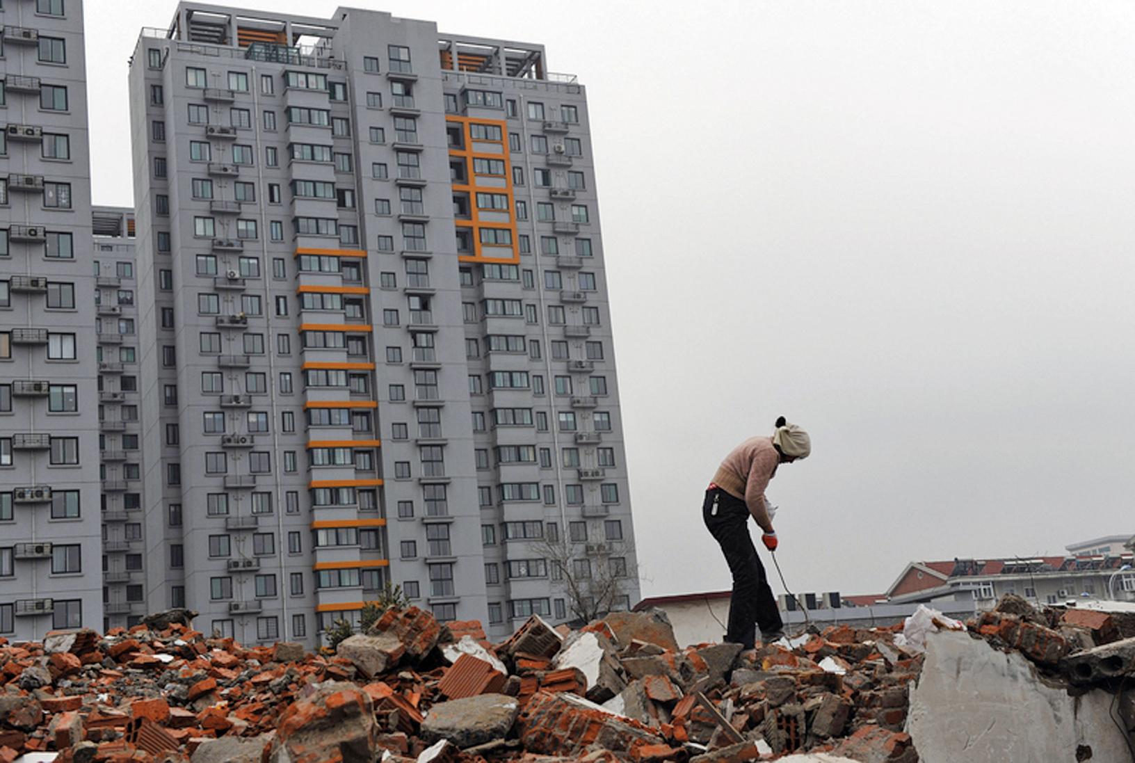 近日有分析文章表示, 大陸一線城市出現「北京慘上海癱」的局面。(Getty Images)