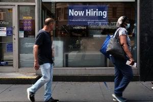 美首領失業救濟人數降至少於35萬 自去年3月下旬最低