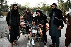塔利班宣布建國 阿富汗人抗議 看守總統誓言抵抗