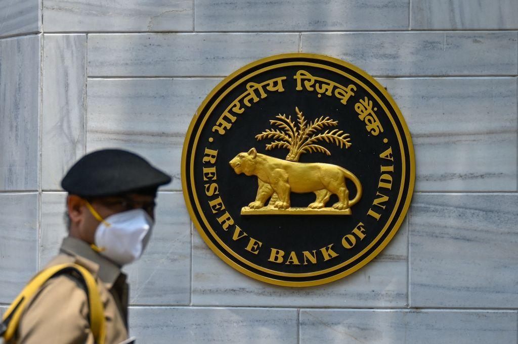 印度昨(8月20日)公布外匯儲備按周減少0.34%至6,194億美元。(PUNIT PARANJPE/AFP via Getty Images)