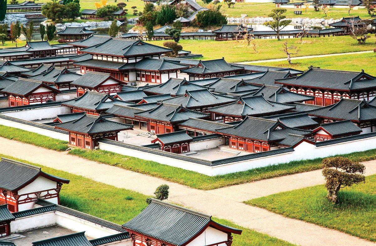 仿中國唐代長安城皇宮「大明宮」之迷你老城建築群。(toiletroom/Shutterstock)