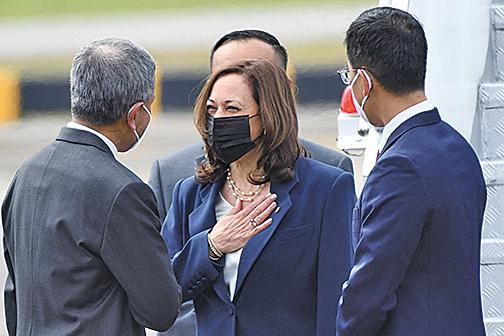 美國副總統訪新加坡 加強盟友關係抗衡中共