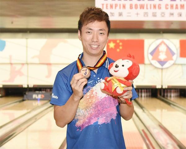 胡兆康以5,285分(平均220.21分)取得銅牌,在今屆比賽暫時奪得1金、1銅。(香港保齡球總會提供)