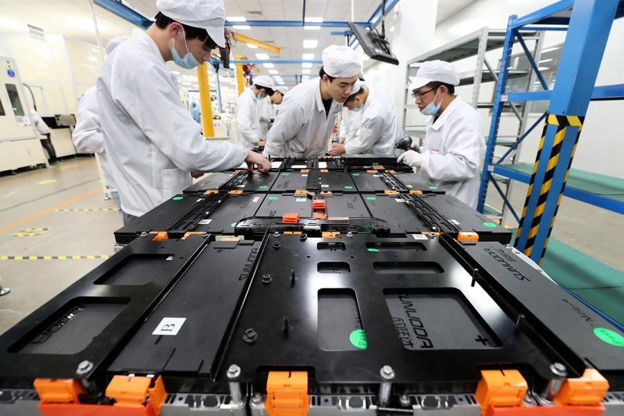 發展新能源汽車 美中競爭 鋰價格飆漲