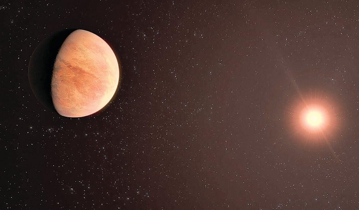 距離地球 35 光年的恆星系統 L98-59 及其質量最小的一顆行星L98-59b 的藝術假想圖。(ESO/M.Kornmesser)