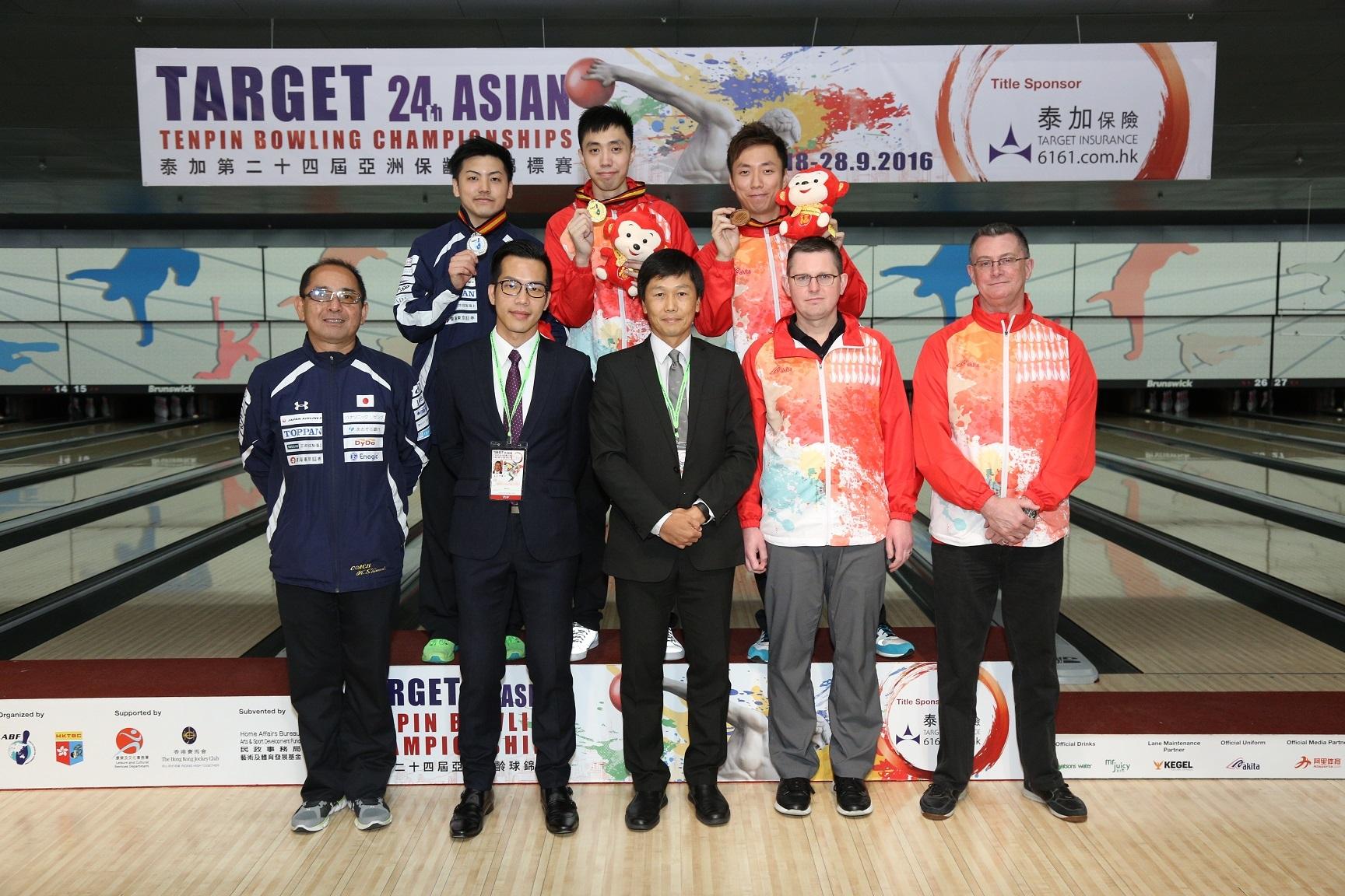 經過4項賽事後,港隊男子全能賽冠軍贏得金牌和銅牌,銀牌由日本選手獲得。(香港保齡球總會提供)