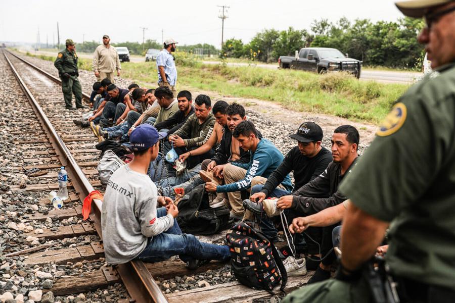 美國聯邦最高法院下令 恢復「留在墨西哥」移民政策