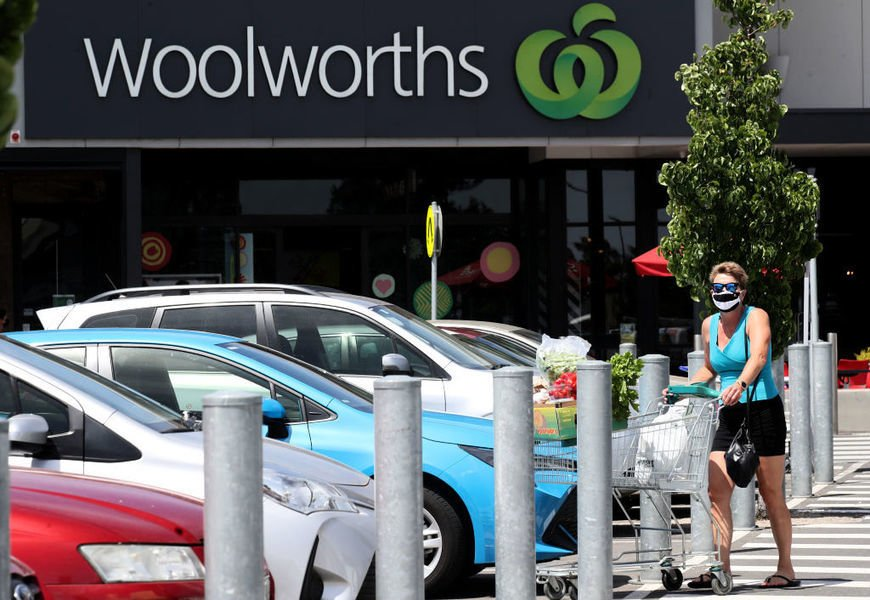 澳超市巨擘Woolworths今公布業績  總裁拒絕強制員工接種疫苗