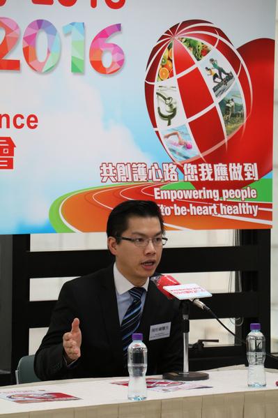 香港心臟專科學院院士陳柏羲醫生表示,多項國際研究均證實頑固性高血壓患者接受適當的睡眠治療,有助降低血壓,從而降低患冠心病及中風的風險。(22 PLUS 創意傳訊提供)