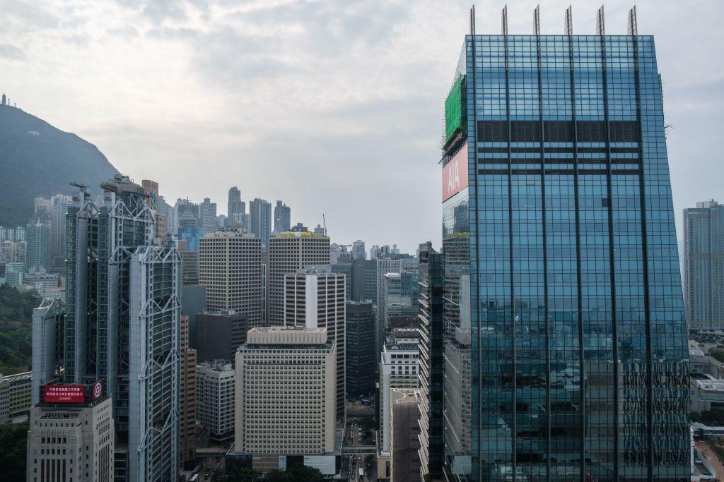 美聯昨(8月31日)發布研究報告,指8月五十大甲廈錄11宗成交,處於低水平。(ANTHONY WALLACE/AFP via Getty Images)
