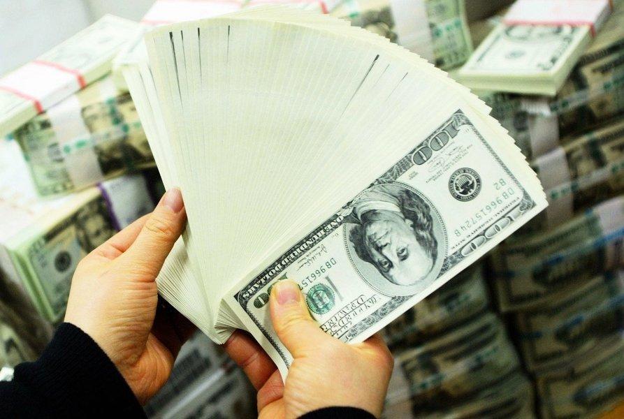內銀收緊個人外匯買賣業務 華夏發通告澄清 專家:銀行憂人民幣波動