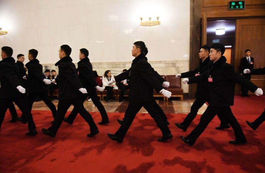 中共六中全會罕見推遲 黨媒刊文暗藏高層激鬥信號