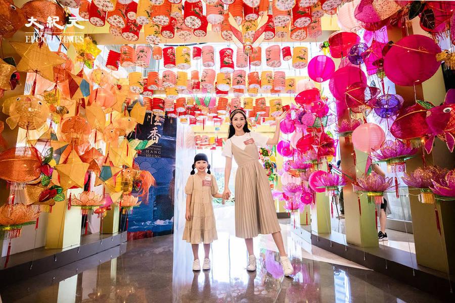 中秋綵燈會|重現香港情懷燈籠街 1.5米巨兔燈籠陪你打咭