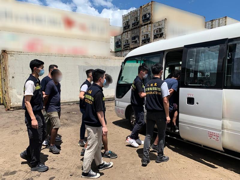 入境處反非法勞工行動拘18人