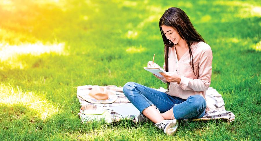 寫作如何改善心理健康 專注自我反思 加強自我意識 獲益良多