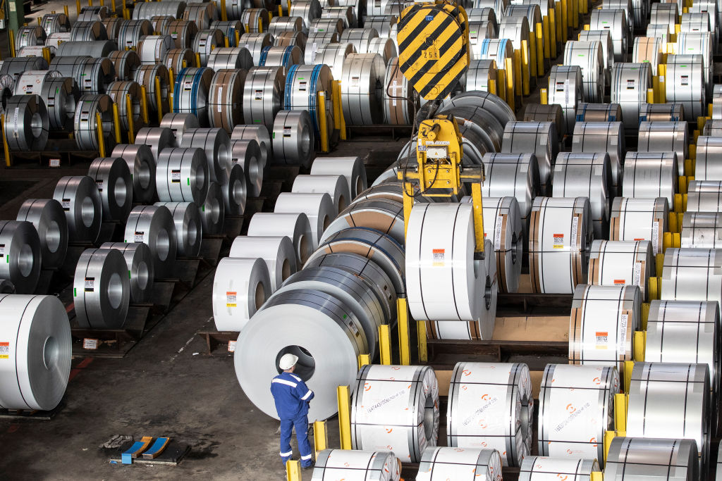 IHS Markit於本周公布8月份環球鋼鐵用戶PMI數值為53.1,相比上月有所放緩。(Maja Hitij/Getty Images)