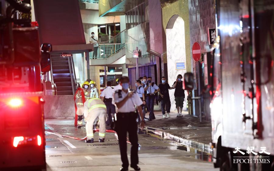 【突發】平台雜物起火傳出爆炸聲 大廈住戶與貓隻尋求消防協助