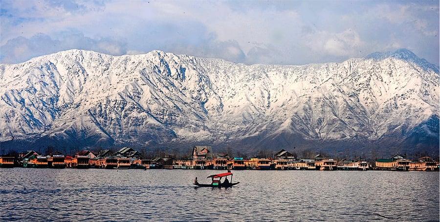 印度克什米爾山谷  地貌奇特美如畫