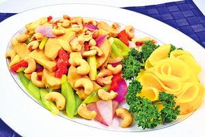 【梁廚美食】腰果西芹炒素雞