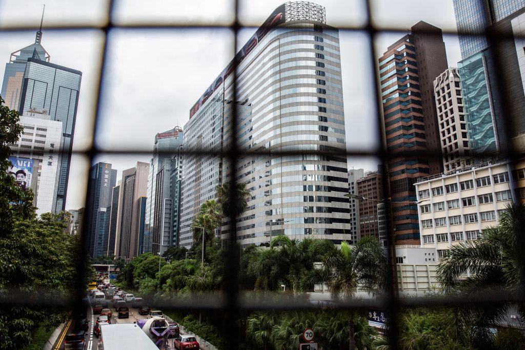 中國恒大(3333)今日(14日)發通告出通告,預期9月份的物業銷售額會大幅下降。圖為位於香港灣仔的恒大中心。(ISAAC LAWRENCE/AFP via Getty Images)