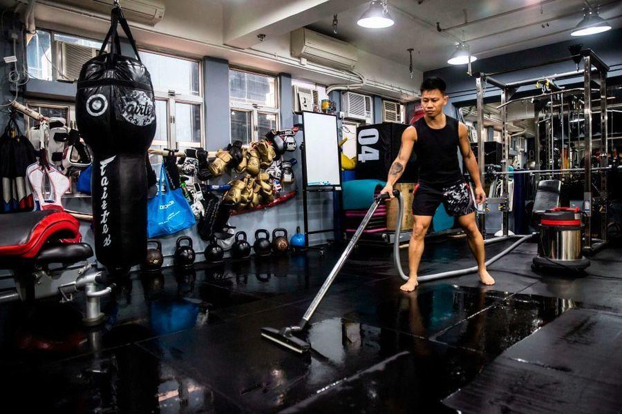 香港海關打擊健身中心不良營商手法