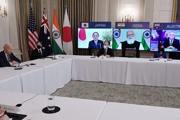 美國總統拜登(Joe Biden)將在9月24日主持首次四方峰會(Quad)。圖為美澳日印四國領導人在3月出席「四方會談」的在線會議。(OLIVIER DOULIERY / AFP via Getty Images)